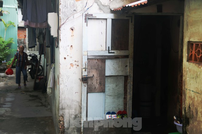 """Cận cảnh những khu tập thể """"ổ chuột"""", nguy cơ đổ sập ở trung tâm Đà Nẵng - ảnh 12"""