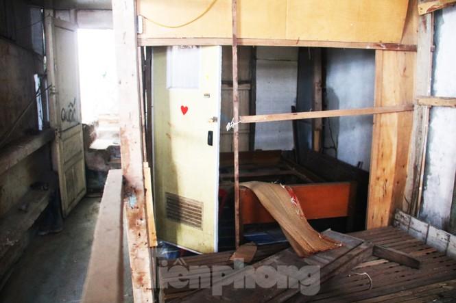 """Cận cảnh những khu tập thể """"ổ chuột"""", nguy cơ đổ sập ở trung tâm Đà Nẵng - ảnh 4"""