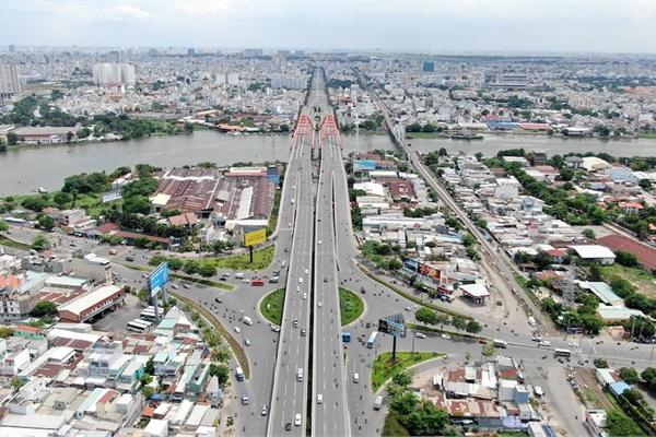 Chung cư 'trăm hoa đua nở' dọc đại lộ đẹp nhất Sài Gòn