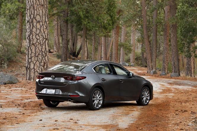 Mazda 3 2020 được nâng cấp tại Mỹ, giá từ 520 triệu đồng - ảnh 1