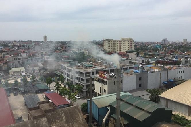 'Sống mòn' cạnh các nhà máy ô nhiễm 'chây ỳ' di dời giữa Thủ đô - ảnh 4