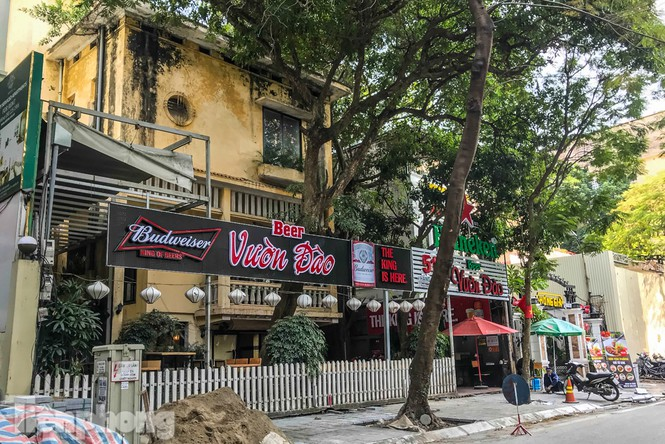 Biệt thự cổ Hà Nội thi nhau thành nhà hàng, quán nhậu - ảnh 1