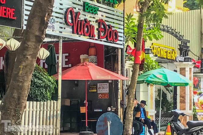 Biệt thự cổ Hà Nội thi nhau thành nhà hàng, quán nhậu - ảnh 2