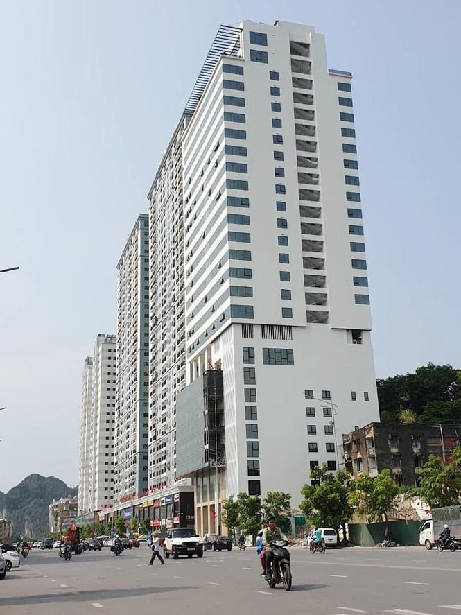 Quảng Ninh 'lúng túng' xử lý cao ốc xây vượt phép 5 tầng - ảnh 1