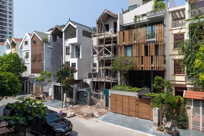 Thiết kế đặc biệt giúp nhà phố hướng Tây mát rượi không cần điều hòa - ảnh 1