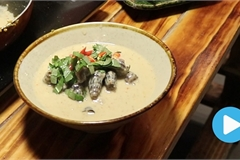 Vietnamese food: Mud creeper with coconut milk