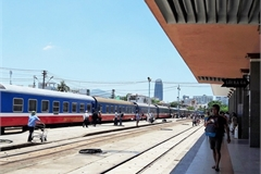Saigon Railway announces 50 percent discount