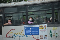 Coaches allowed to travel between HCM City and other provinces from Oct 13