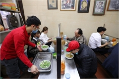 Hanoi allows re-opening of indoor eating and drinking venues, barbershops