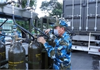 Mobileoxygen-production stations provideoxygen cylindersto hospitals in need in HCM City