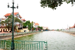 Hanoi cleans up its pond life