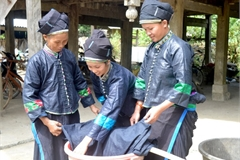 Indigo clothes – a part of Nung culture