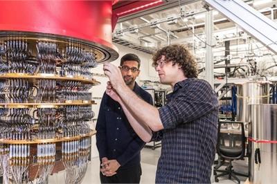 """IBM """"tố"""" Google thổi phồng năng lực của máy tính lượng tử"""