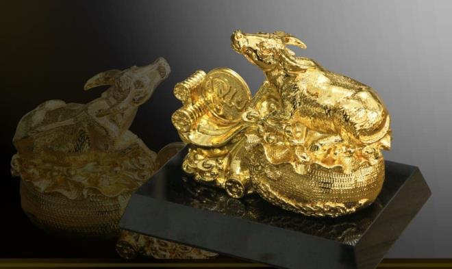 Quà Tết Tân Sửu 2021: 'Sốt' tượng trâu mạ vàng tiền triệu - 5
