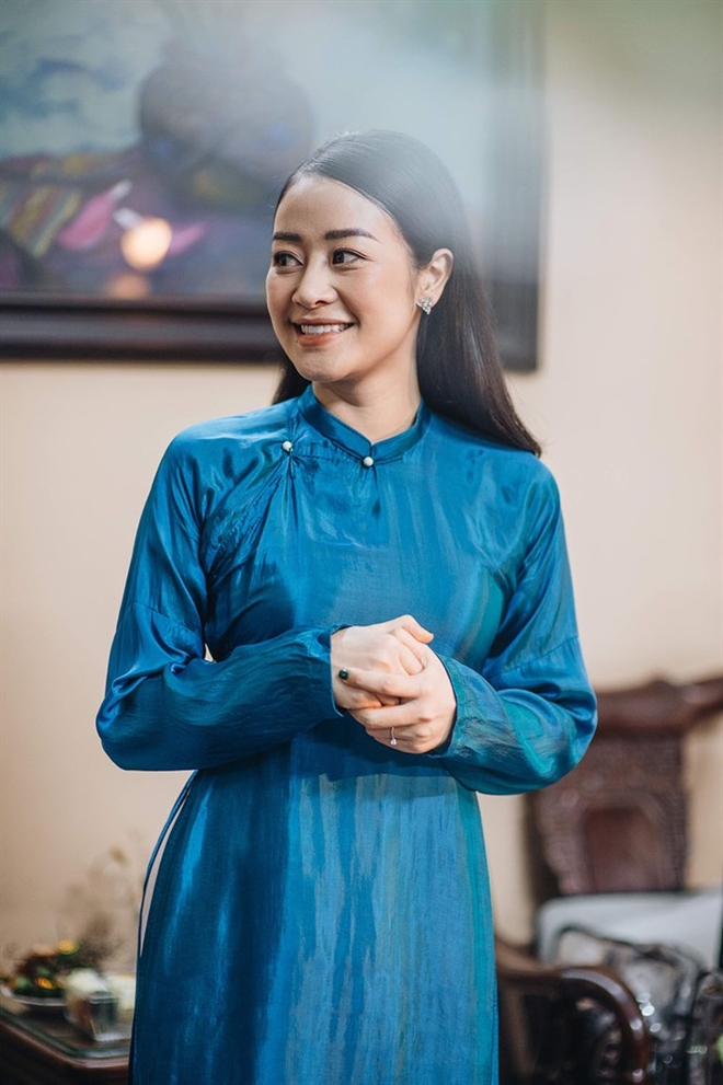 MC Phí Linh: Giao thừa, thương bố mẹ đón Tết xa con - 2