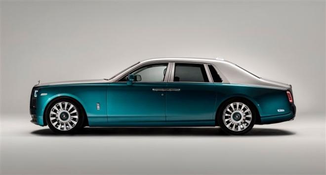 Khám phá Rolls-Royce Phantom Iridescent Opulence gắn 3.000 lông vũ - 3