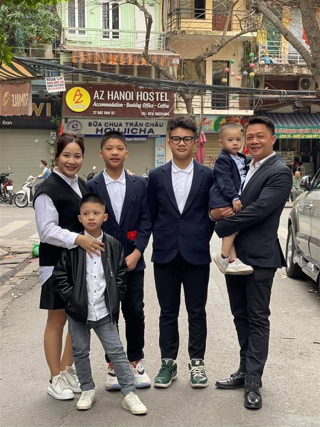 BTV Trần Quang Minh: Chăm 4 cậu con trai cũng bình thường thôi - 5