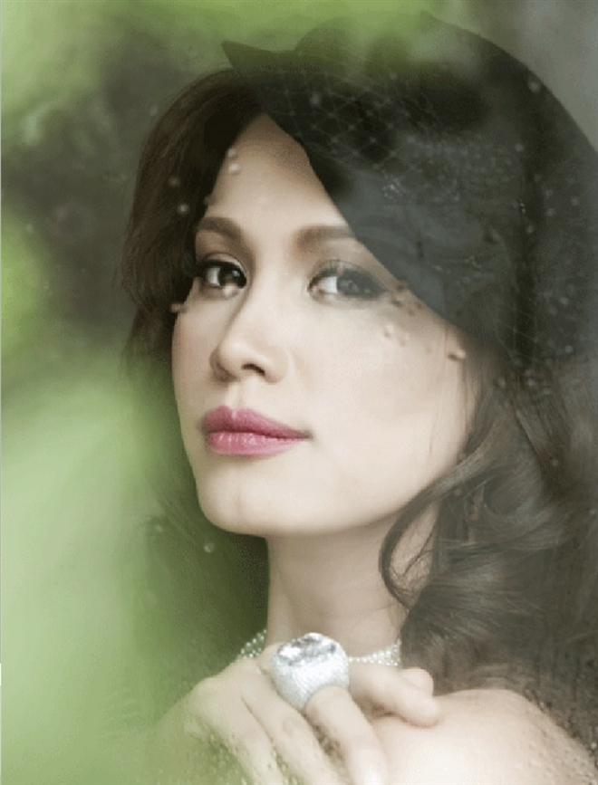 Hoa hậu Ngọc Khánh: U50, tóc bạc vẫn cuốn hút ánh nhìn - 7