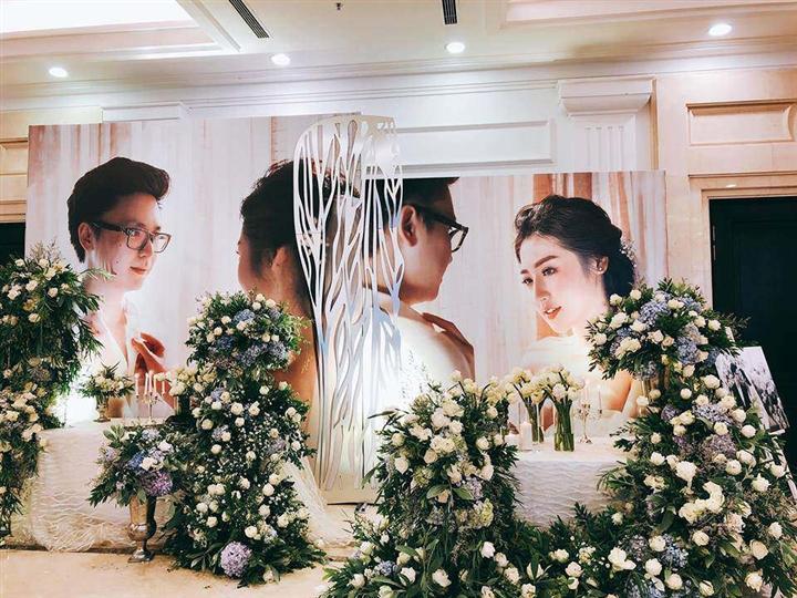 6 đám cưới xa xỉ bậc nhất Vbiz: Sắm cả màn hình lớn để cổ vũ tuyển Việt Nam - 4