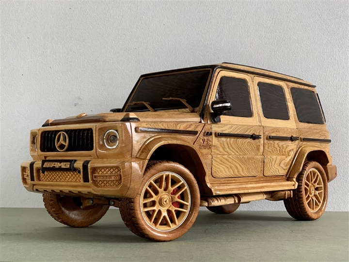 Ngắm mô hình Mercedes-AMG G63 bằng gỗ sang trọng - 5