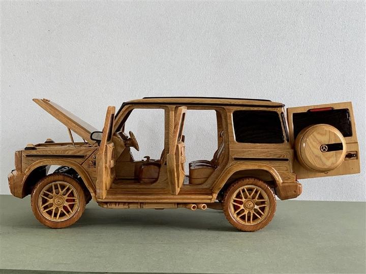 Ngắm mô hình Mercedes-AMG G63 bằng gỗ sang trọng - 6