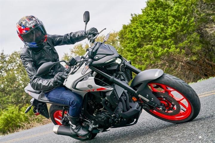 6 mô tô thể thao tốt nhất cho người mới lái - 4