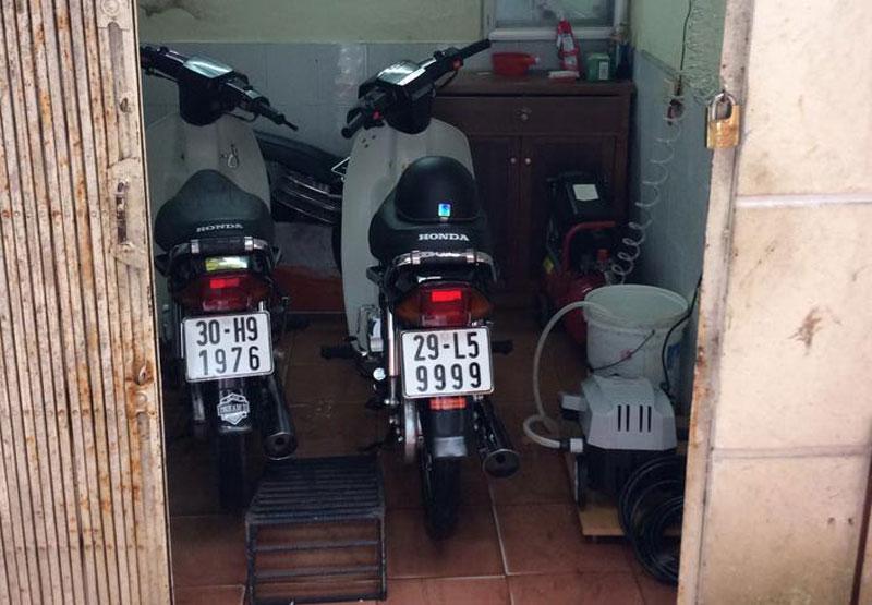 Ngam dan Honda Dream so huu 'sieu bien so' hinh anh 4