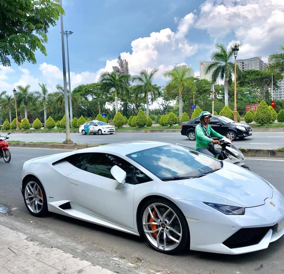 Lamborghini Huracan sau 3 nam su dung, ban lai 13 ty dong hinh anh 1
