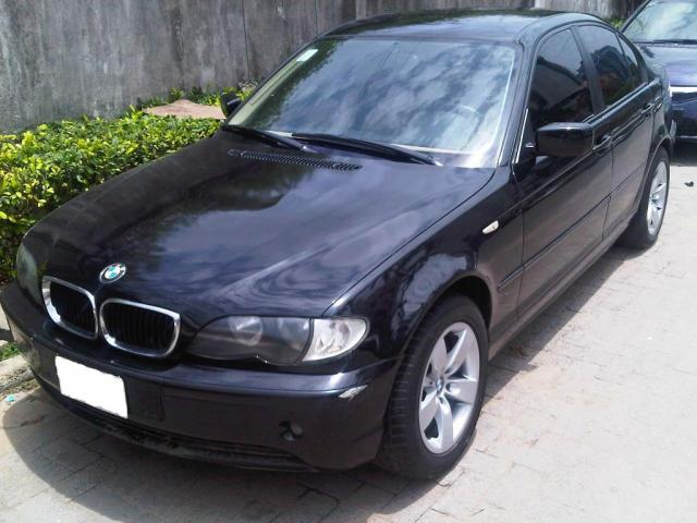 Nghich ly 'xe BMW hang sang gia re', chi tu 300 trieu dong hinh anh 2