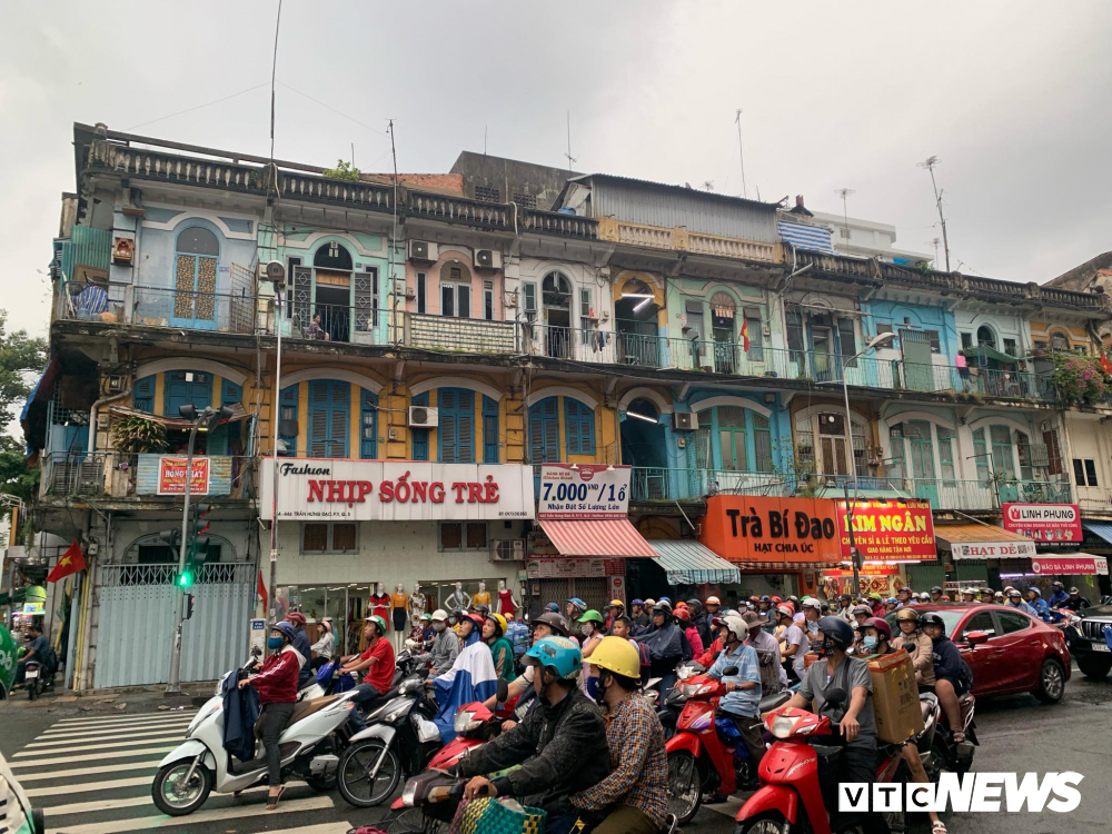 TP.HCM: Chung cu 440 Tran Hung Dao nut toac, sap sap nhung nguoi dan van than nhien sinh song hinh anh 1