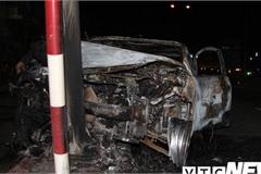 Tông trúng cột đèn tín hiệu giao thông, xe ô tô bốc cháy thành tro ở Hải Phòng