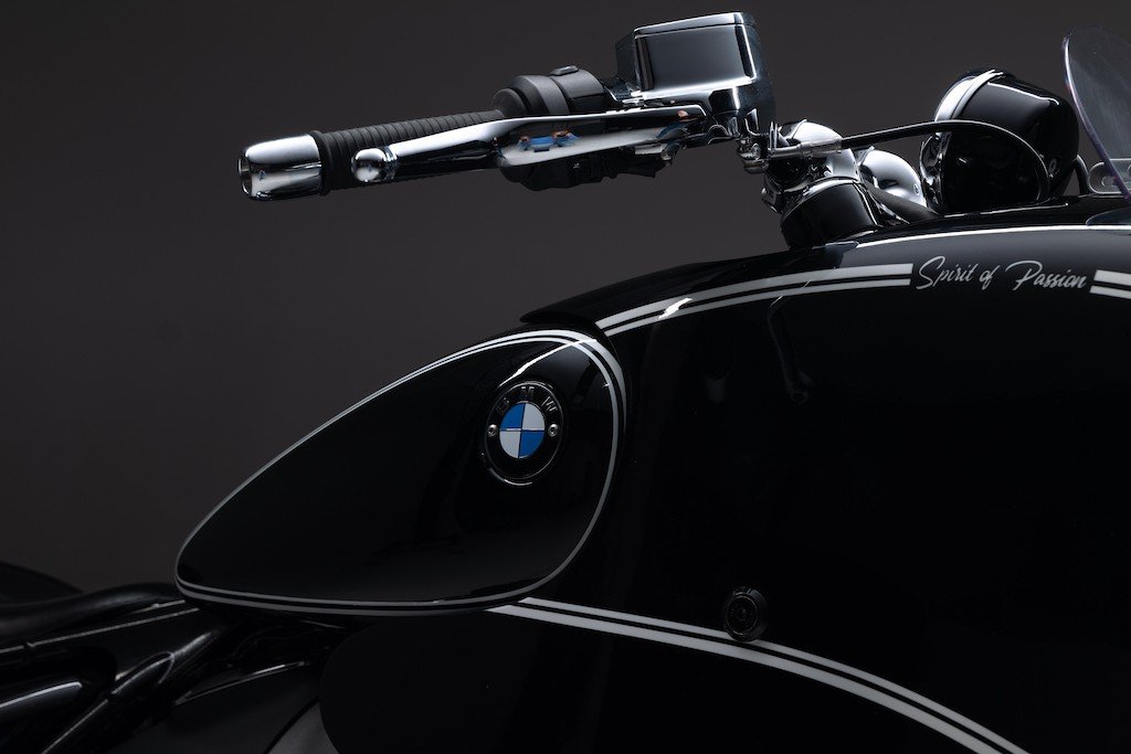 """Nhìn ngỡ tên lửa mặt đất, không ngờ chiếc mô tô này lại độ từ cruiser BMW R 18 """"nặng như đeo đá"""" ảnh 7"""