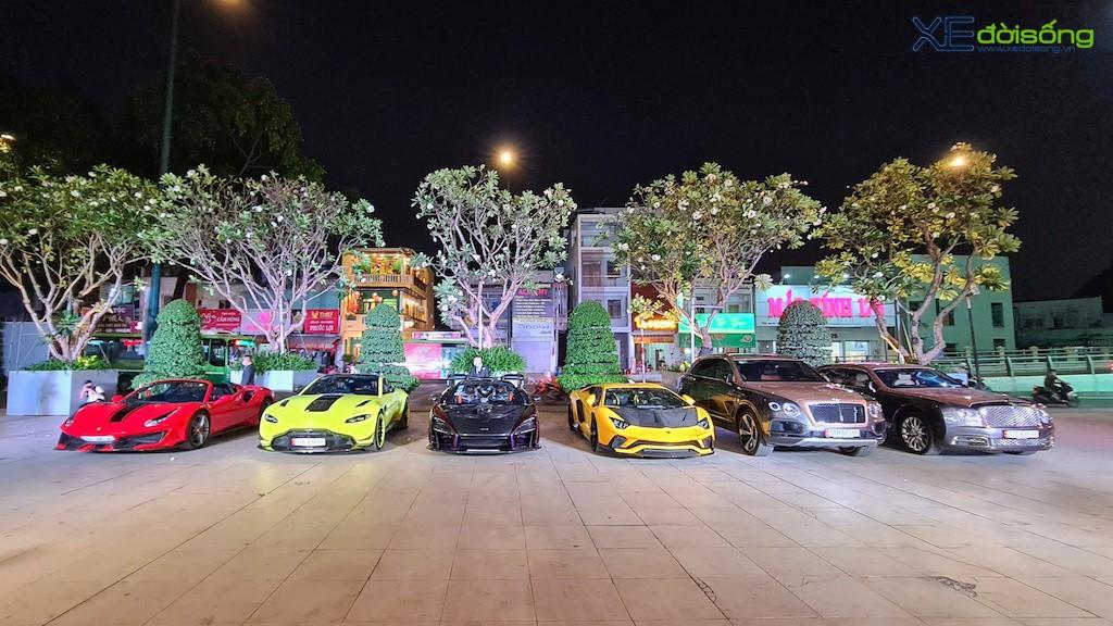 """Dàn siêu xe """"khủng"""" trăm tỷ của đại gia ngành thẩm mỹ mừng tiệc cuối năm, bao gồm siêu phẩm McLaren độc nhất Việt Nam ảnh 1"""