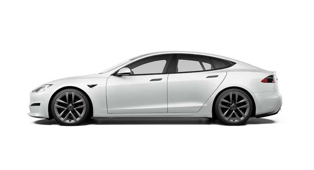 """Từng là người tiên phong làm cách mạng xe điện, Tesla Model S lại """"gây sốc"""" vì vô-lăng quái dị ảnh 2"""