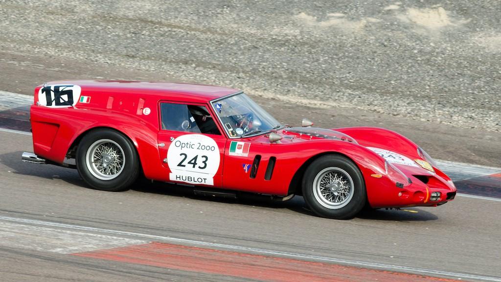 """Sau gần 60 năm, chiếc Ferrari """"hàng thửa"""" quái dị này mới có hậu duệ đích thực ảnh 1"""