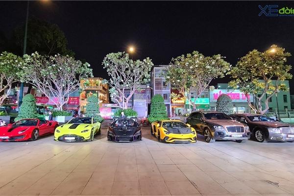 """Dàn siêu xe """"khủng"""" trăm tỷ của đại gia ngành thẩm mỹ mừng tiệc cuối năm, bao gồm siêu phẩm McLaren độc nhất Việt Nam"""