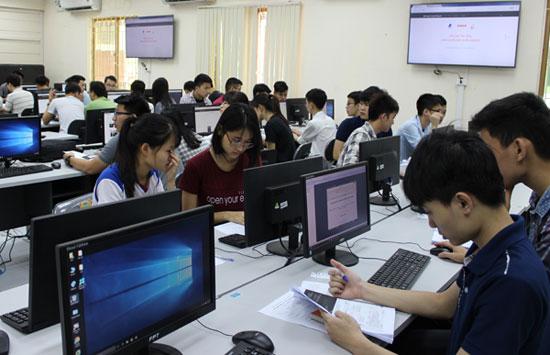 """Nhiều cơ hội cho sinh viên An toàn thông tin sớm """"tham chiến"""" thị trường lao động"""