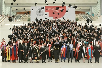 Hơn 1.000 tân Cử nhân của Đại học RMIT Việt Nam nhận bằng tốt nghiệp