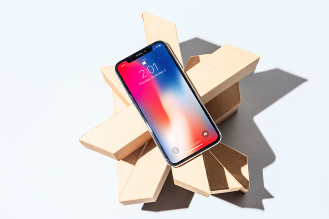 Apple nen giam gia iPhone hinh anh 1