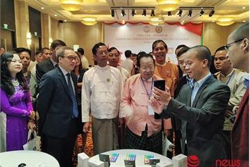 Bkav mang phần mềm eGov, smartphone Bphone 3 sang giới thiệu tại Myanmar