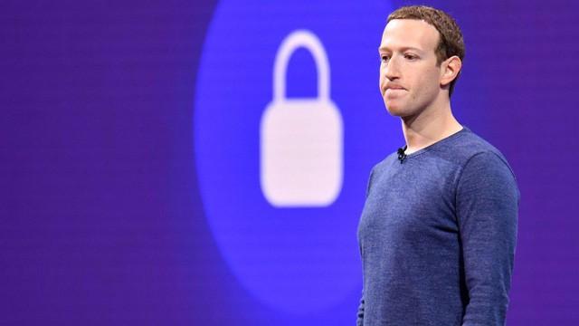 Bê bối nối đuôi nhau, Facebook biến Mark Zuckerberg thành tỷ phú mất nhiều tiền nhất của năm - Ảnh 3.