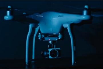 Lần đầu tiên một bộ phim kinh dị có kẻ sát nhân là... drone