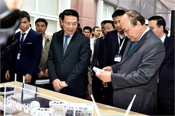 """Thủ tướng: """"Con đường đi lên của Việt Nam phải là công nghệ cao"""""""