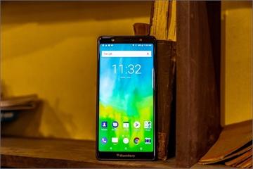 BlackBerry sắp tung Evolve tại Việt Nam, không bàn phím cứng, giá khoảng 8,5 triệu đồng