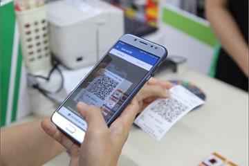 Nhiều ứng dụng ngân hàng có thể thanh toán QR Code tại cửa hàng tiện lợi