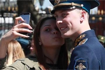 Lính Nga bị cấm sử dụng smartphone vì mạng xã hội