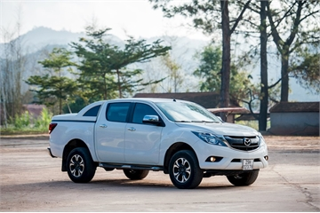 Mazda BT-50 bất ngờ giảm giá 40 triệu đồng, có thêm ghế lái chỉnh điện