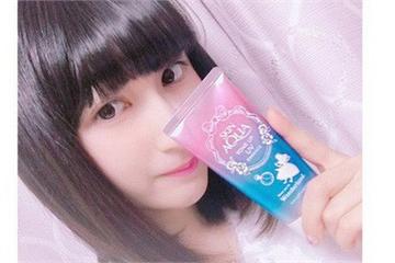 Marketing kiểu Nhật: In ngược bao bì trên tuýp kem chống nắng để chị em selfie cho tiện!