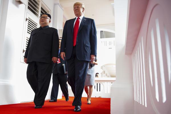 Ai sẽ ăn tối chung với hai lãnh đạo Trump - Kim?