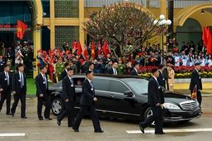 Xem kỹ xe bọc thép Mercedes-Benz S 600 Pullman Guard hộ tống ông Kim Jong Un đến Hà Nội